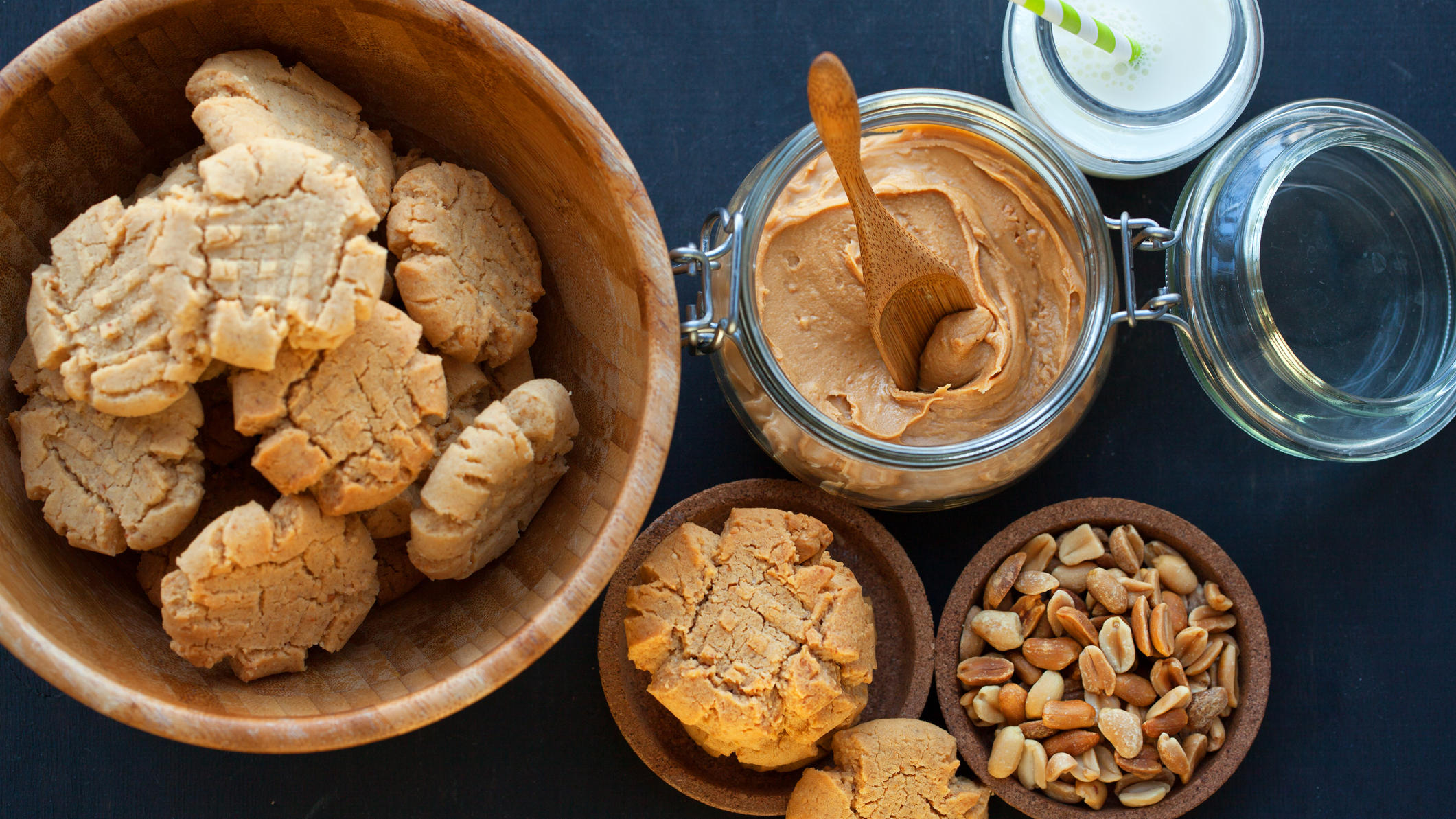 Glutenfreie Plätzchen aus nur 3 Zutaten backen: Diese Erdnussbutterkekse sind in 15 Minuten fertig