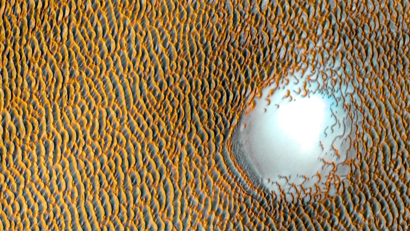 Blaue Düne auf dem Mars: Nasa veröffentlicht phantastisches Bild des Roten Planeten