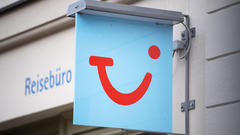 TUI-Kunden wütend: Tausende Euro unberechtigt von Kreditkarten abgebucht - RTL Online