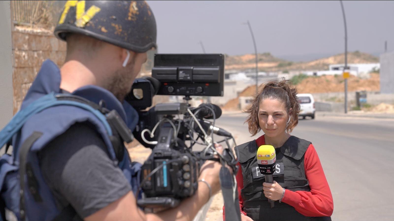 """RTL-Korrespondentin Raschel Blufarb über Israel-Konflikt: """"Meiner Tochter ist der Schlafanzug im Bunker peinlich."""""""