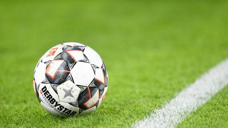 Hertha holt Montenegriner Jovetic: Test gegen Riad