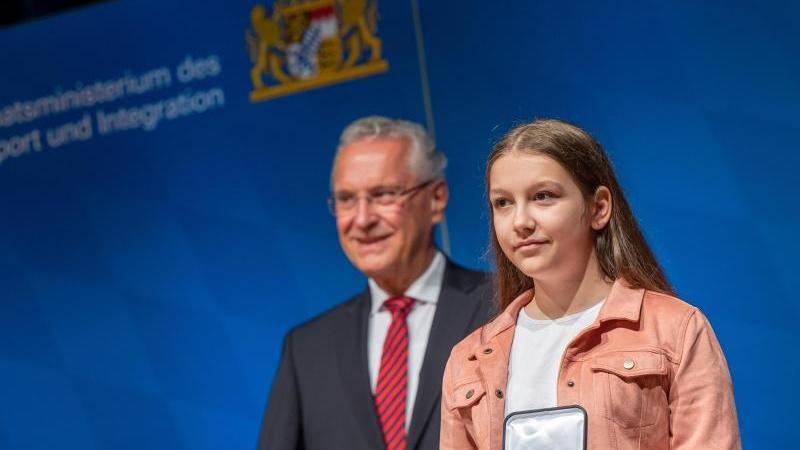 Medaille für Zivilcourage an 34 mutige Bürger