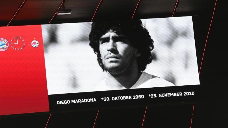 FC Bayern mit Schweigeminute für gestorbenen Maradona