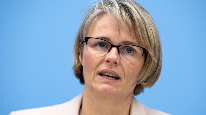 Bildungsministerin Anja Karliczek: Schulunterricht wegen Pandemie wieder in Gefahr