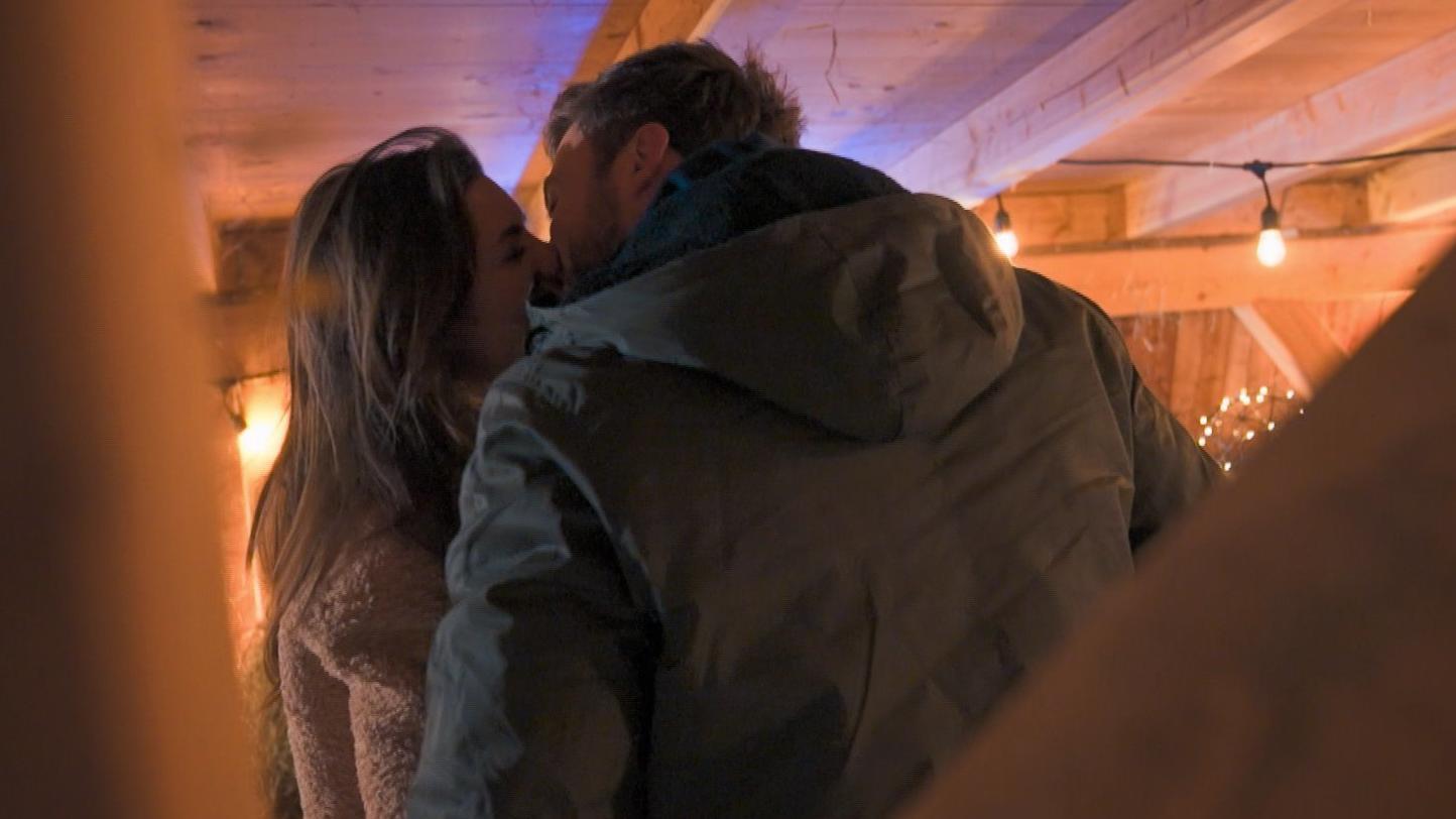 Bachelor 2021: Endlich! Niko und Michèle küssen sich - RTL Online