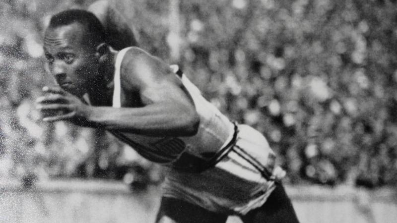 Stichtag: Jesse Owens stellt fünf Weltrekorde in 45 Minuten auf