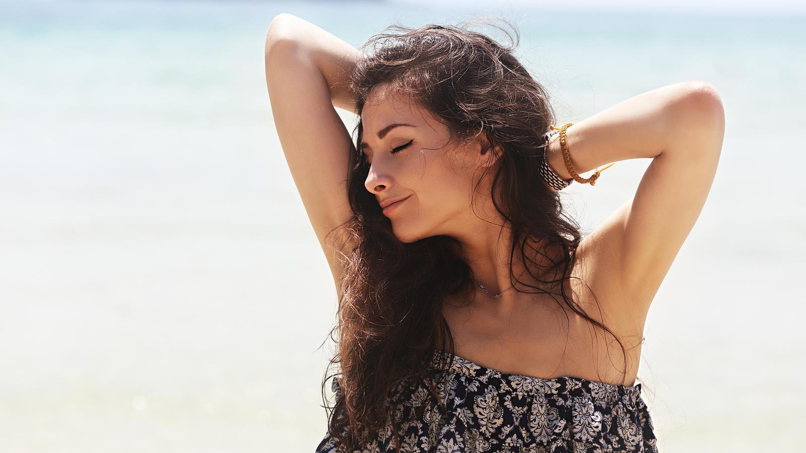 Wachsen Haare, Finger- und Zehennägel im Sommer wirklich schneller?