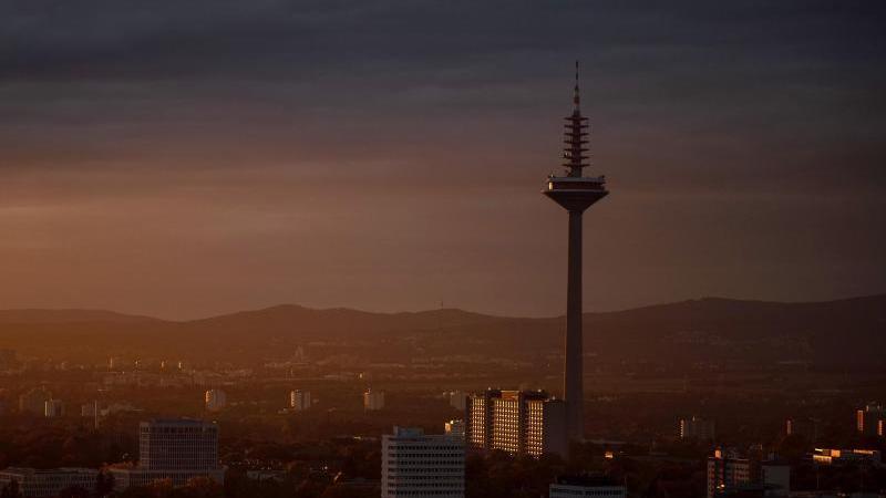 Heiterer Wochenstart in Hessen, ab Dienstag auch Regen