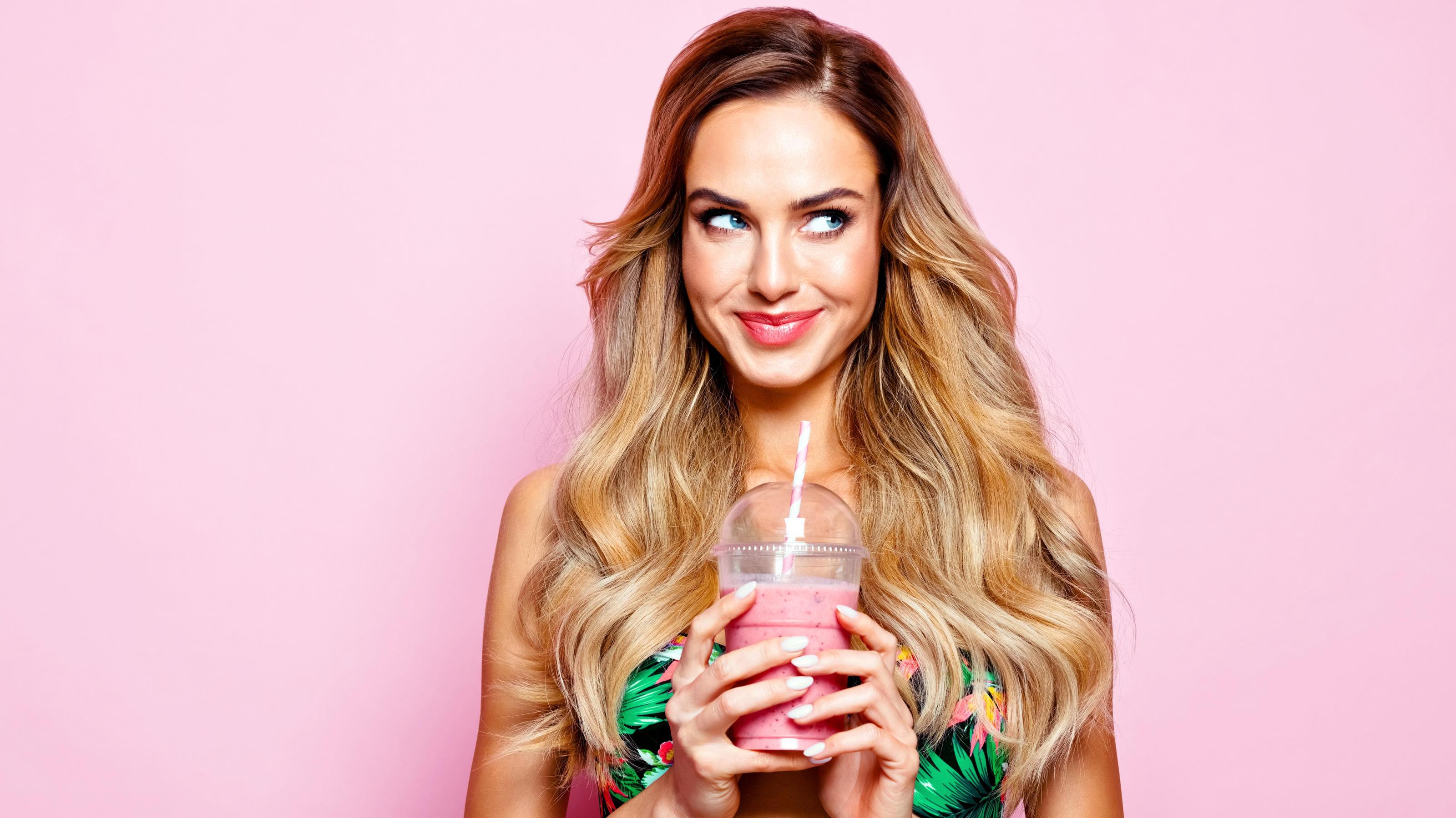Pink Drinks & Co: Warum wir diese 3 Sommer-Getränke lieben