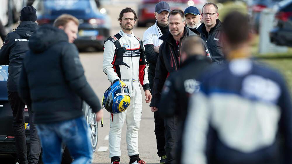 Porsche Carrera Cup: Prinz Carl Philip zeigt sich in voller Rennmontur