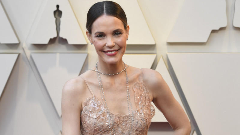 Leslie Bibb spielt in 'About My Father'