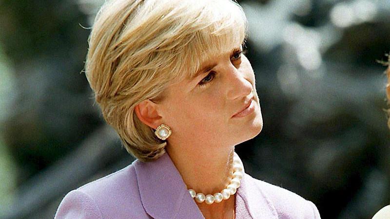 Modern Diana Bob: So stylen wir Lady Di's Haarschnitt heute