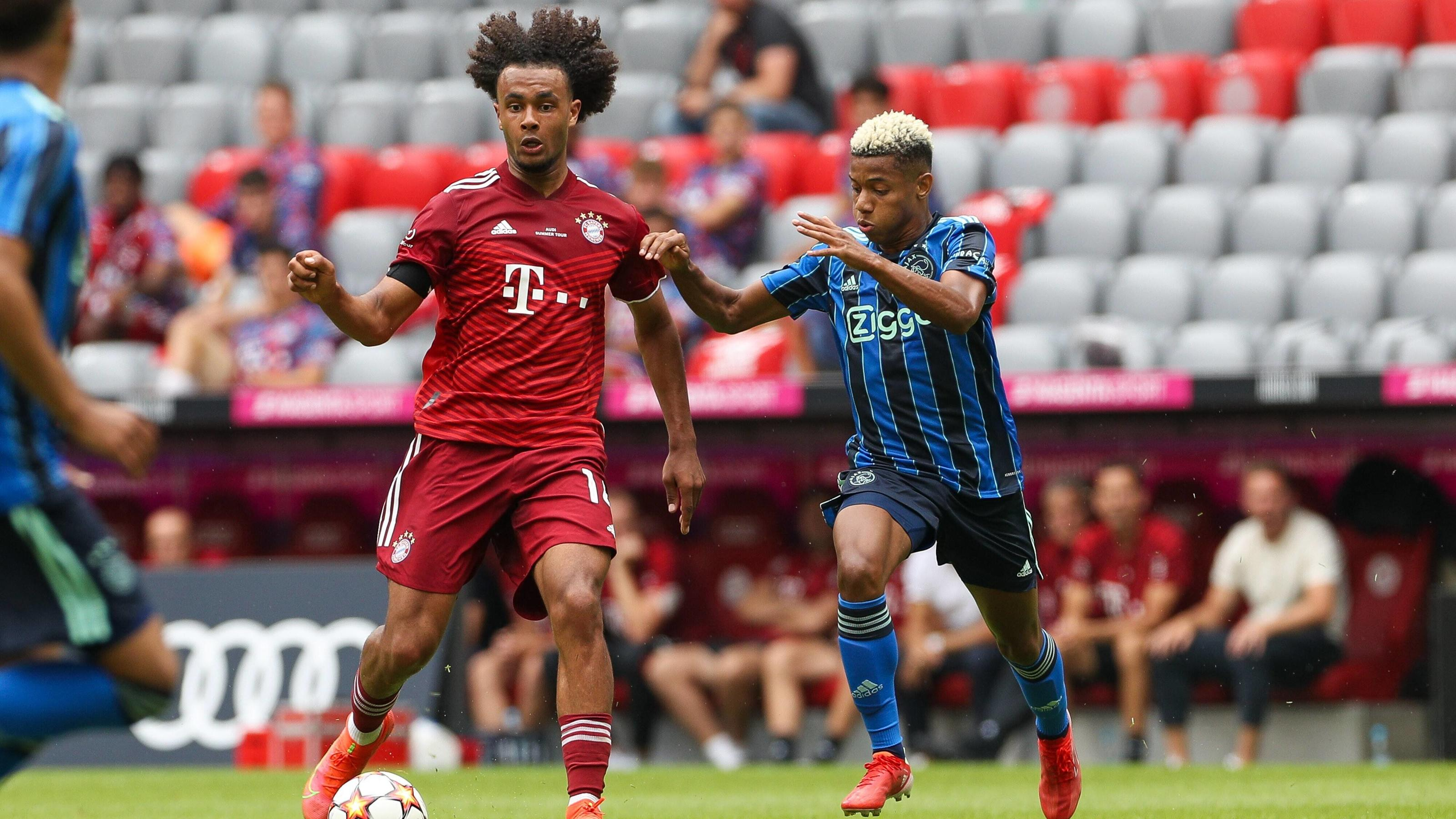 "FC Bayern München: ""Fans"" beleidigen Joshua Zirkzee und Julian Nagelsmann"