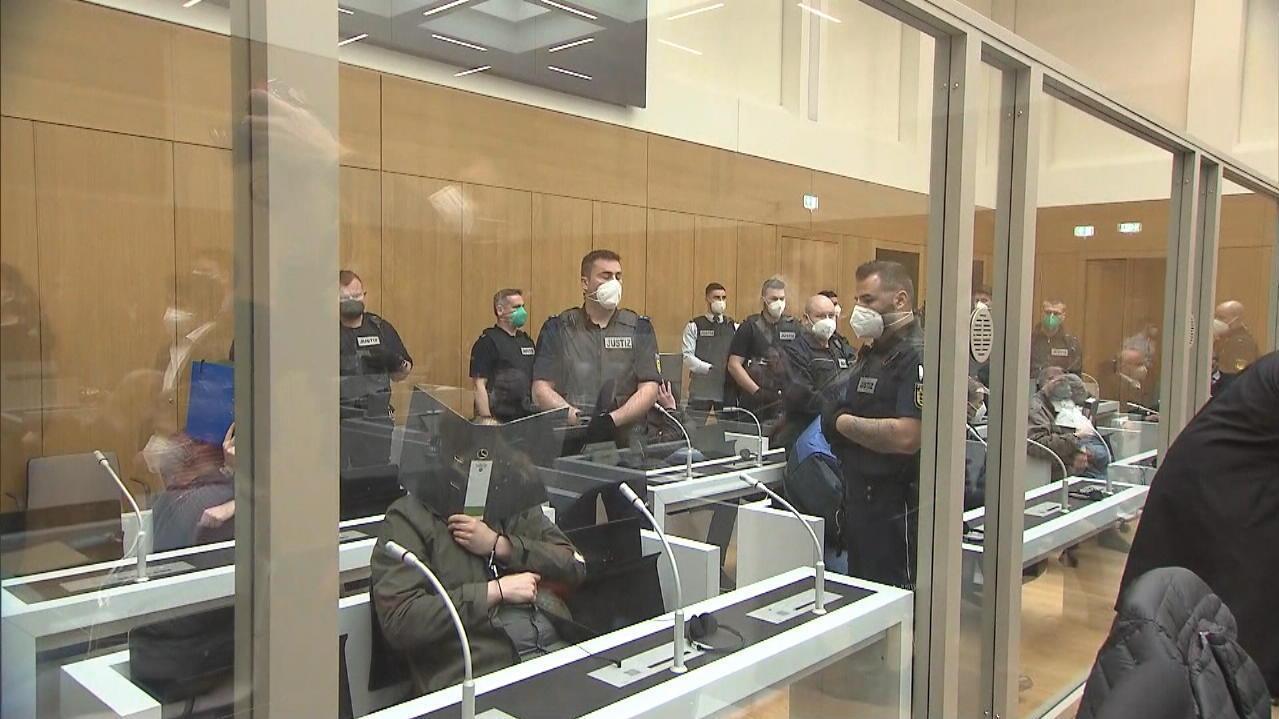 Terrorgruppe vor Oberlandesgericht Stuttgart: Sogenannte Gruppe S. soll Anschläge geplant haben