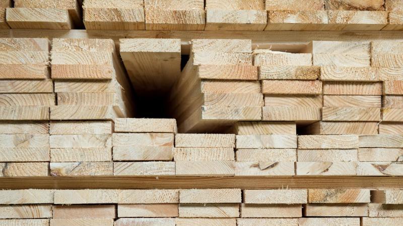 Mehr Geld für Arbeit in Holz- und Kunststoffverarbeitung