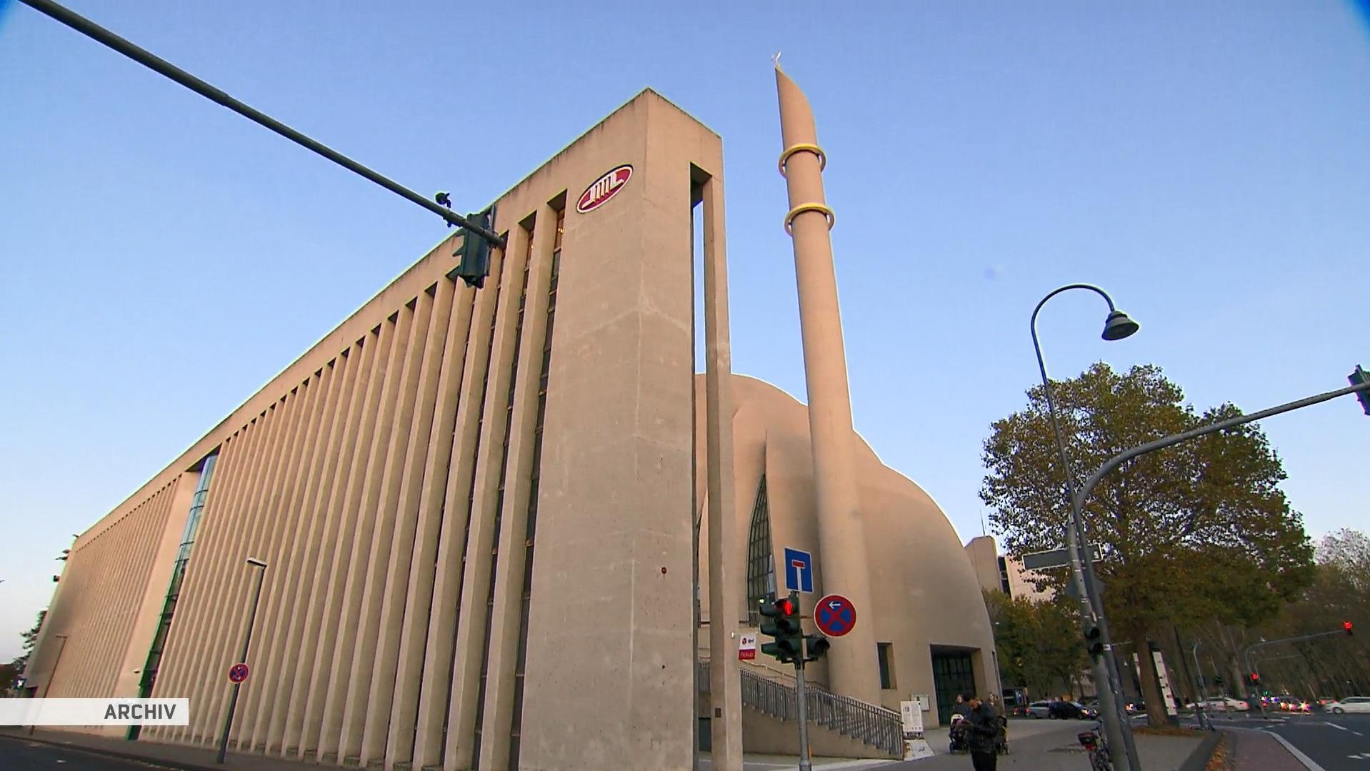 Vor Ditib-Moschee: Polizei lässt Demo in Köln nicht zu