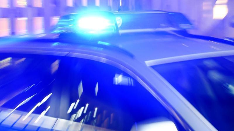 Männer wegen Diebstahls von Computerteilen festgenommen