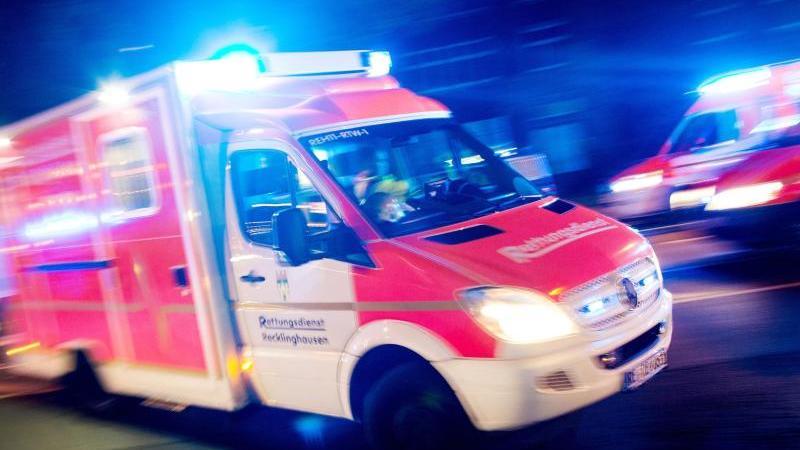 Mann in München von Straßenbahn erfasst: Schwer verletzt