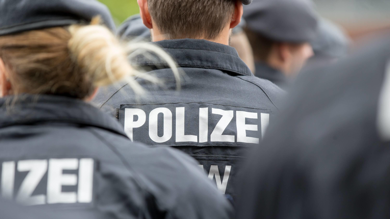 Justizministerin Lambrecht: Rechtsextreme Polizisten keine Einzelfälle mehr - deshalb...