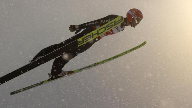 skispringer-eisenbichler-bei-wm-einzel-gest-rzt