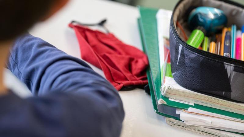 Lehrer, Eltern, Schüler uneins über mögliche Maskenpflicht