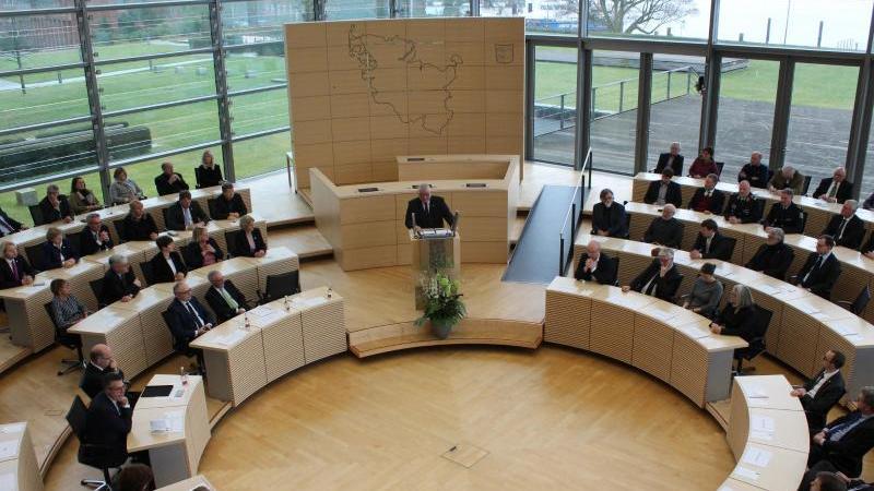Landtag debattiert über 30 Jahre deutsche Einheit