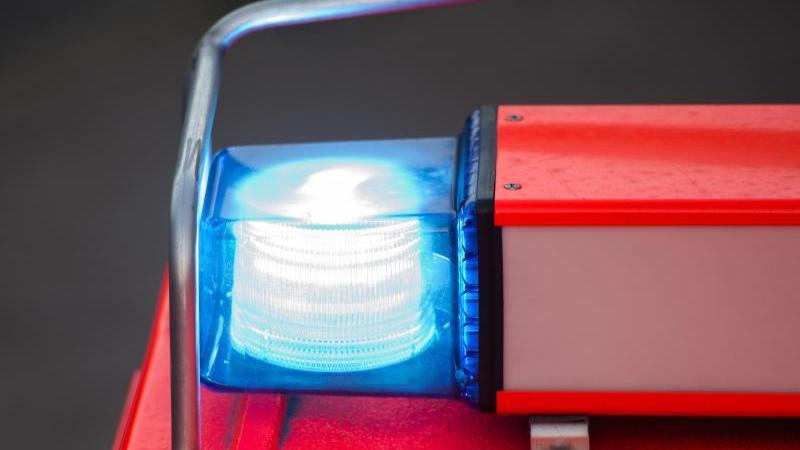 Sattelzug fängt Feuer: Autobahn 4 in Richtung Osten gesperrt