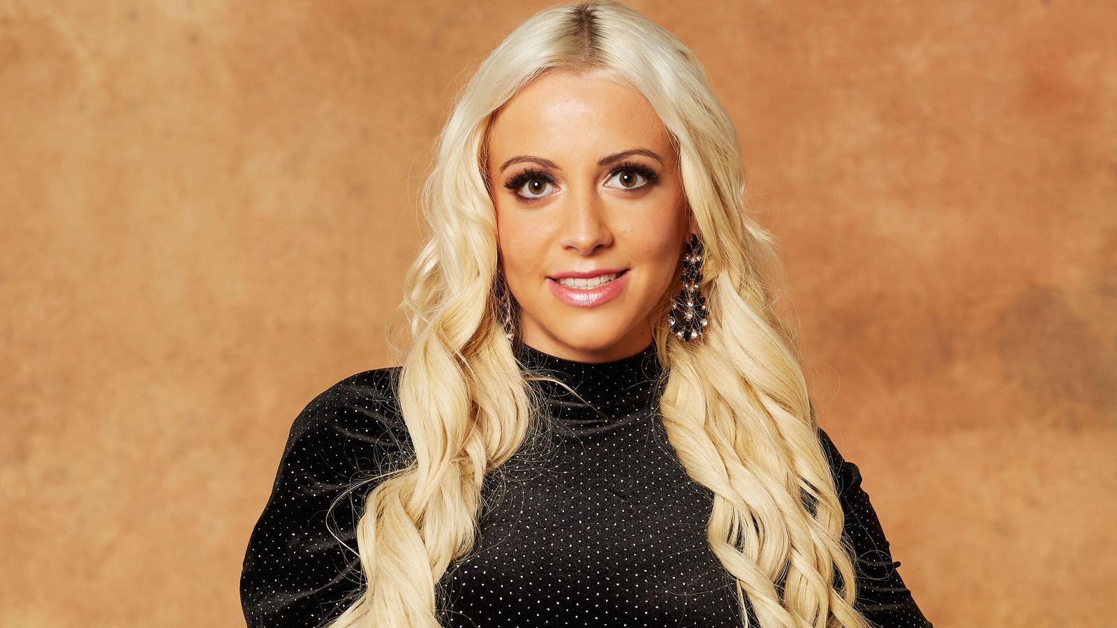 Bachelor 2021: Melissa Lindner macht in der 3. Folge einen Abflug - RTL Online