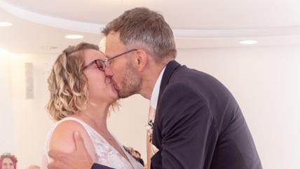 Happy End Bei First Dates Ein Tisch Fur Zwei Claudia Und Dirk Haben Geheiratet