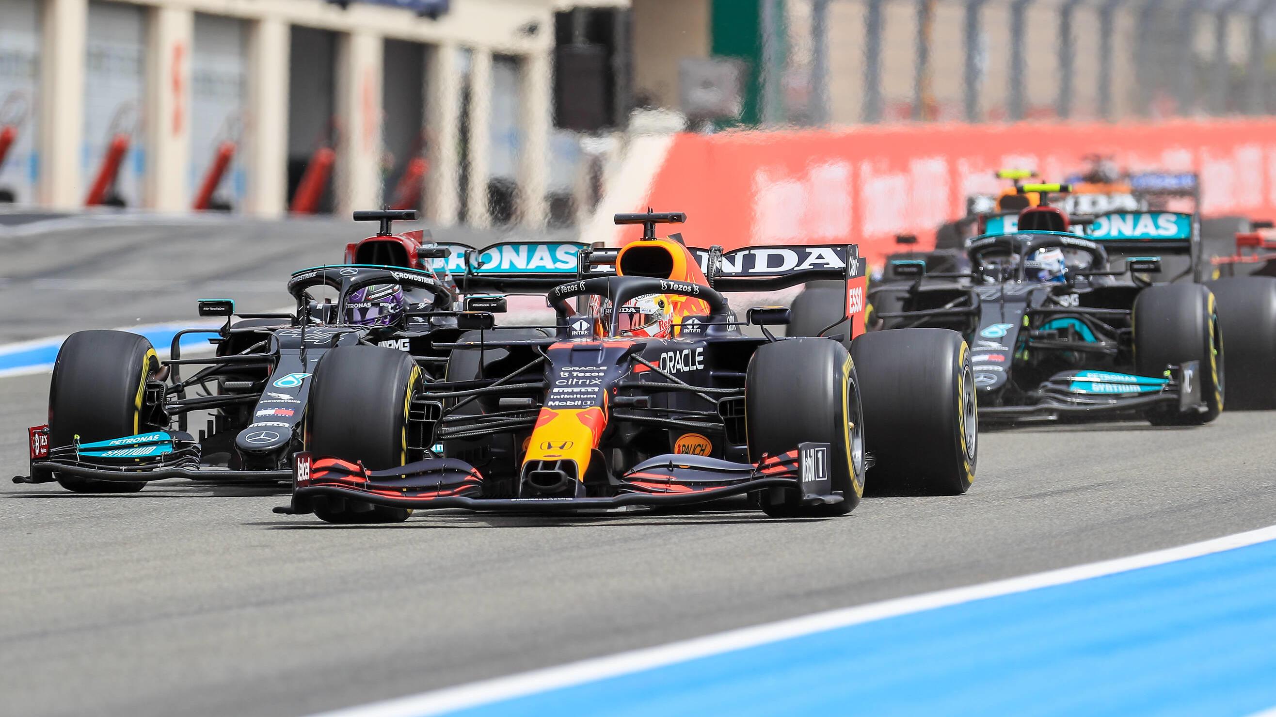 Formel 1 - Strategie-Thriller: Max Verstappen siegt in Frankreich knapp vor Lewis Hamilton
