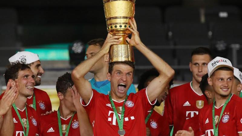"Bayerns Double-Party - ""Haben noch dritten Pokal"""