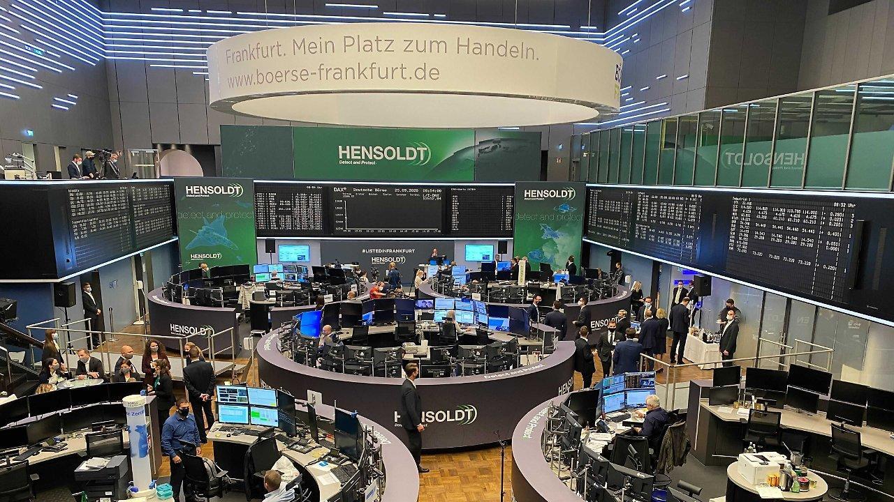 Die Frankfurter Börse in Tarnfarben