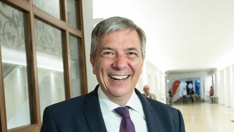 Oberbürgermeister Mende nimmt Landesregierung in die Pflicht