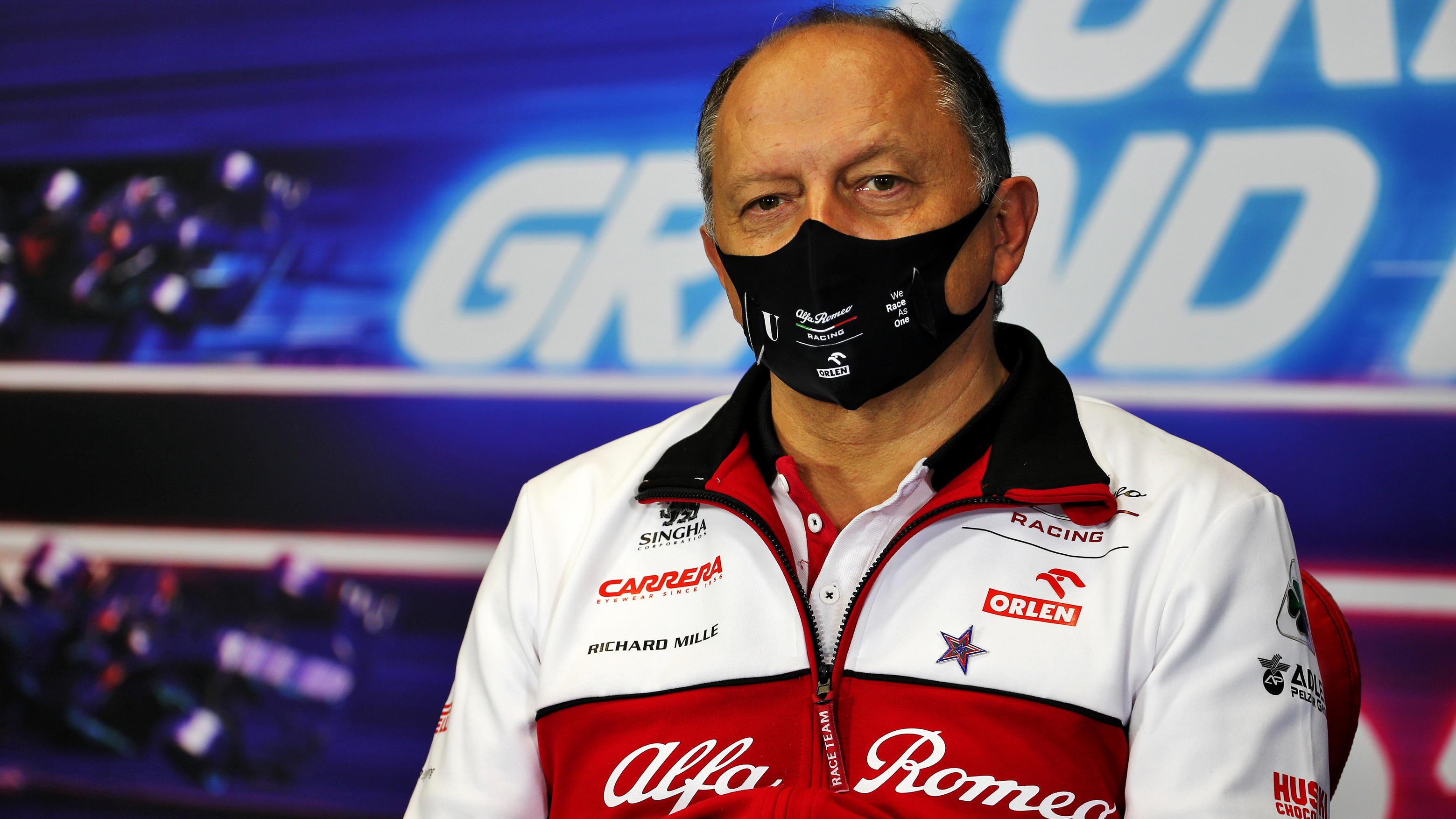 """Formel 1: 30 Millionen für Zhou? """"Bullshit"""", sagt Alfa-Romeo-Teamchef Frédéric Vasseur"""