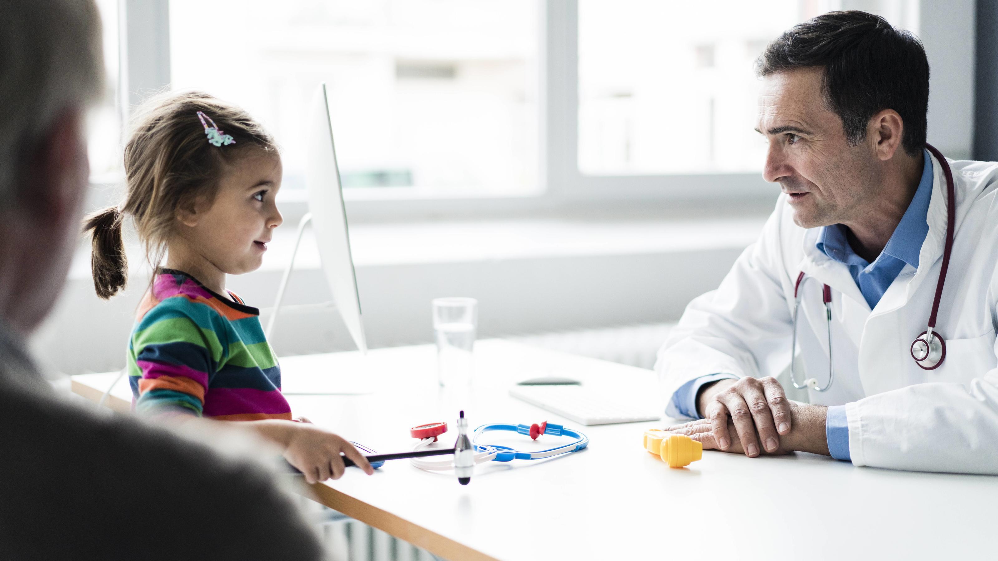 Thüringen lockert Attest-Regel für Kinder: Mit Schnupfen bald in die Schule?!