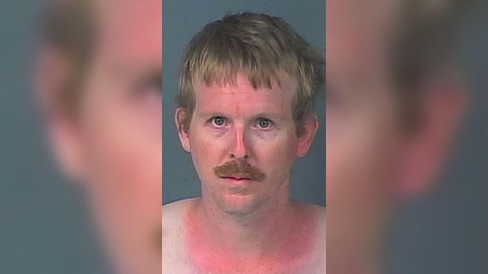 Florida: Mutmaßlicher Sexualstraftäter versteckte sich im Schlafzimmer einer Jugendlichen (15)
