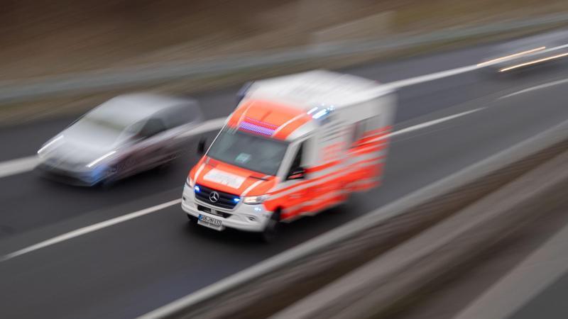 Sattelzugfahrer stirbt bei Unfall auf A7
