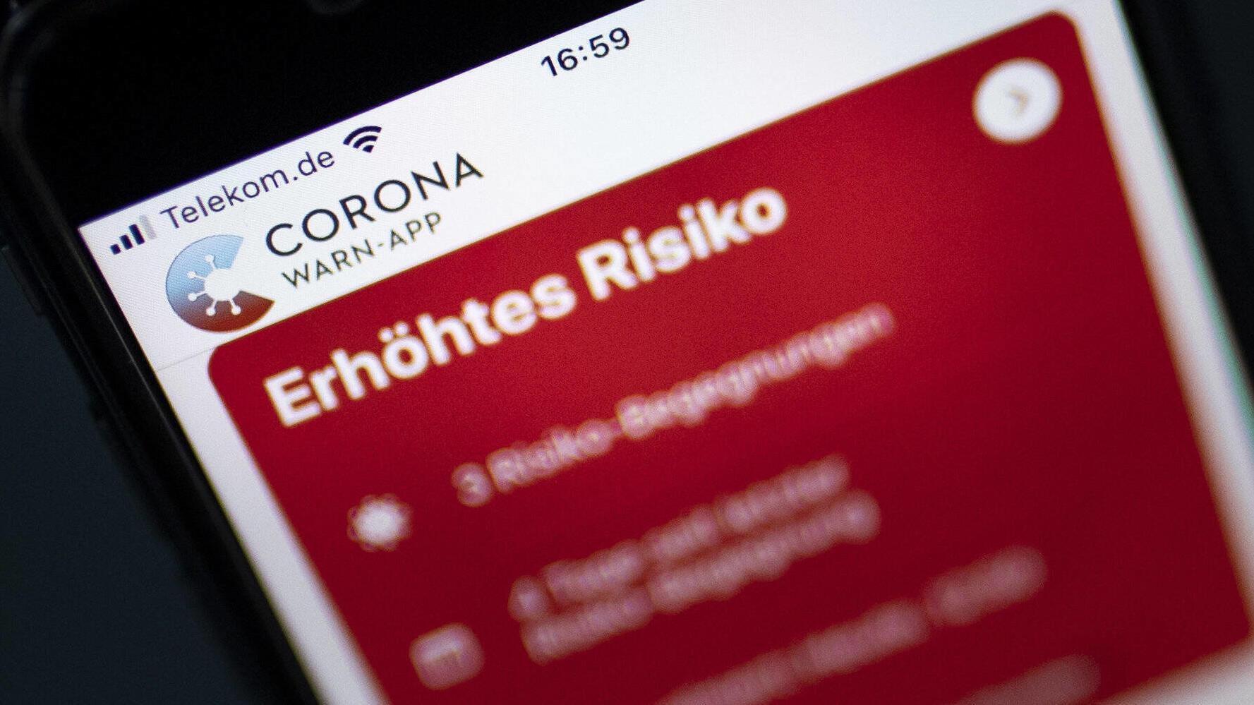 RTL-Umfrage zur Corona-App: Jeder vierte Nutzer geht trotz
