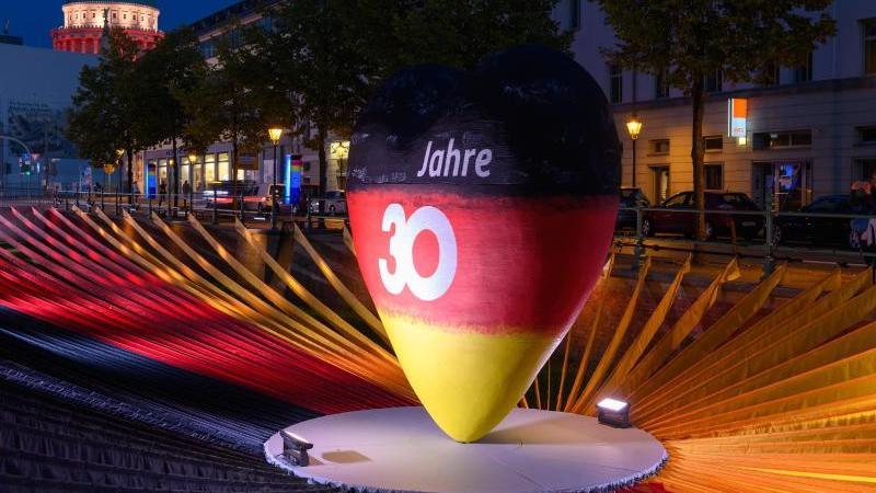 Festakt mit Corona-Auflagen: Potsdam feiert 30 Jahre Einheit