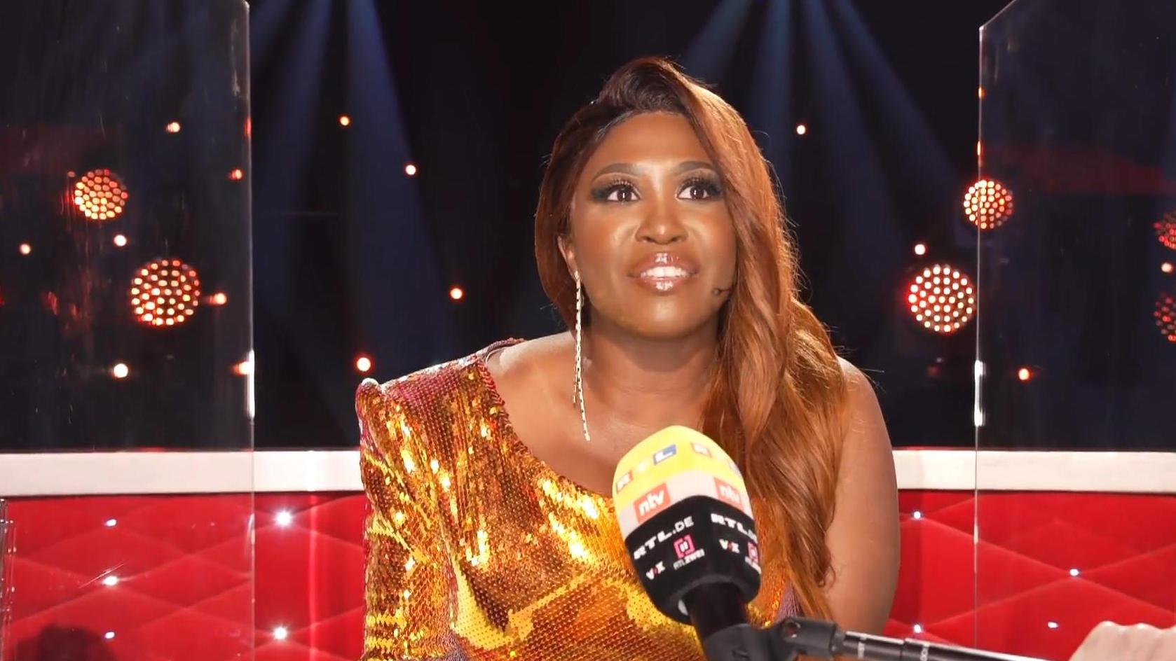 """Let's Dance 2021: Motsi Mabuse hat """"eine totale Verbindung"""" zu Auma Obama - RTL Online"""