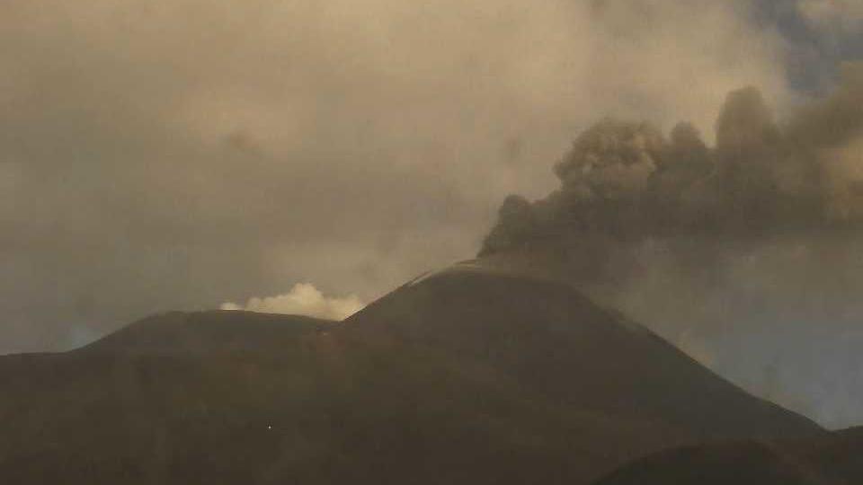 Sizilien: Vulkan Ätna wieder ausgebrochen - riesige Aschewolke
