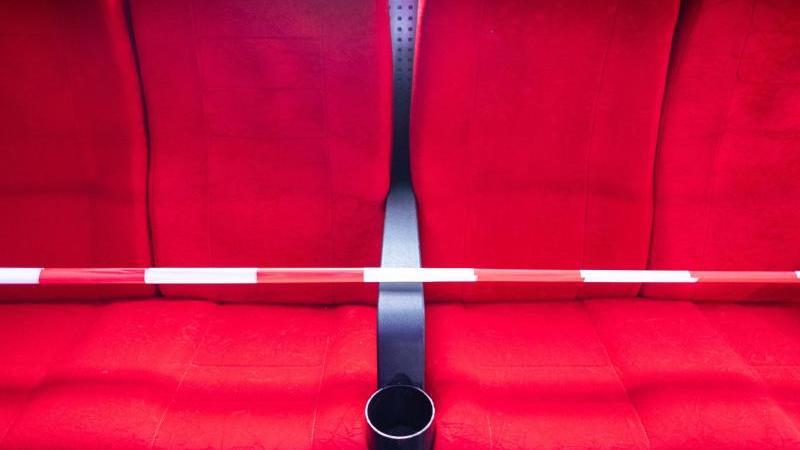 Kinos leiden wegen Corona: Umsatz und Besucherzahl halbiert