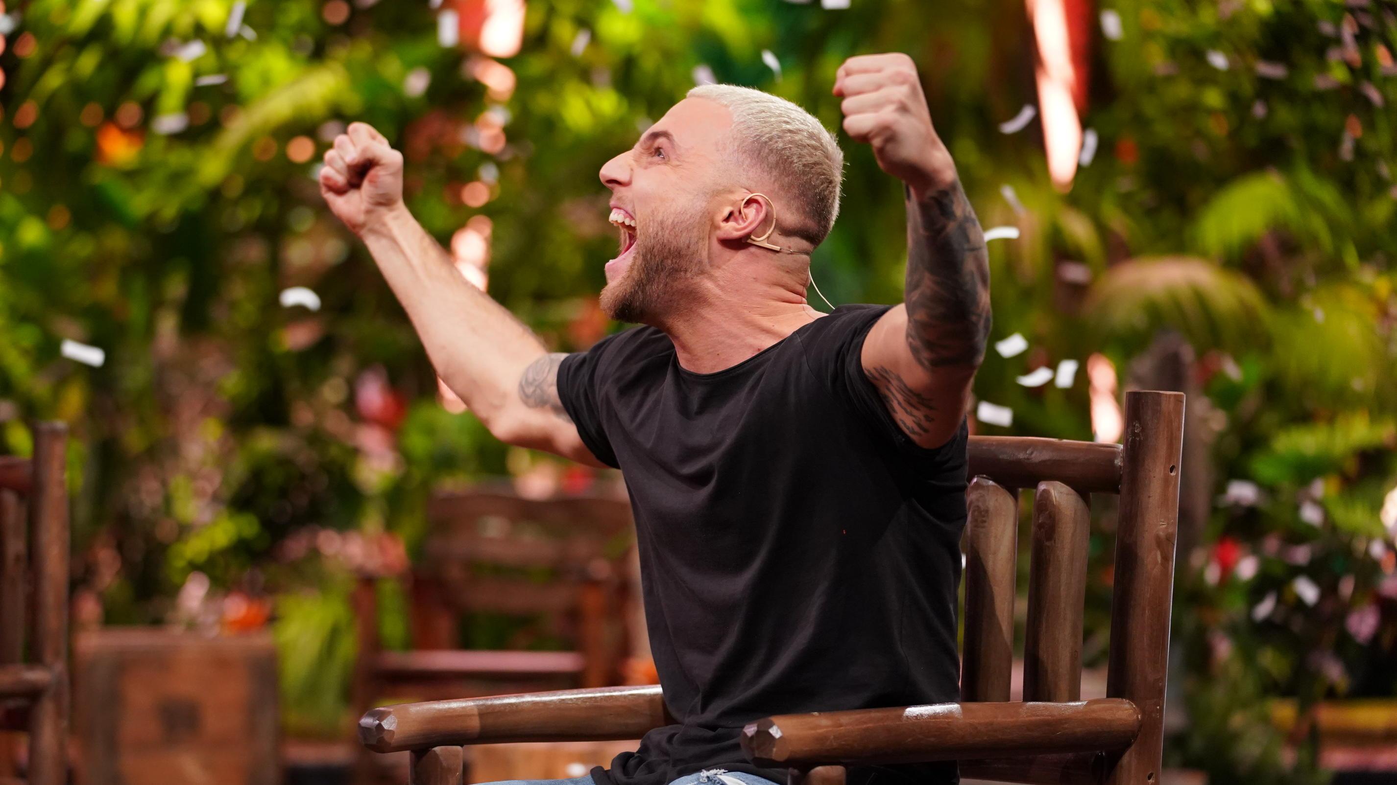 """Dschungelcamp 2022: Filip Pavlović krallt sich das """"goldene Ticket"""" der Dschungelshow"""